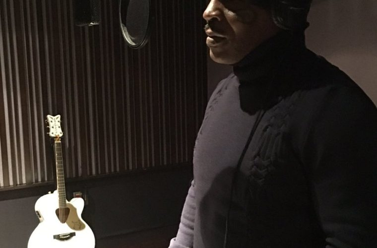 Майк Тайсон променял боксерские перчатки намикрофон