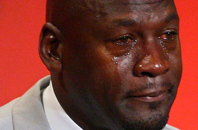 Айзея Томас отпраздновал победу с фотоплакатом плачущего Джордана