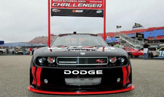 «Додж» может вернуться в высший дивизион NASCAR