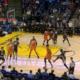 Дрэймонд Грин пнул соперника во время матча НБА