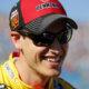 Звезда NASCAR Джоуи Логано в Рождество заправлял всех на халяву