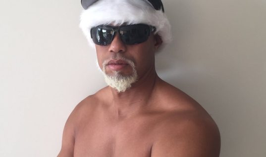 Тайгер Вудс показал странную рождественскую традицию