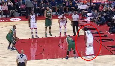 Игрок «Торонто» помешал сопернику забросить штрафной, сняв шорты