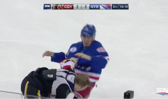 Павел Бучневич впервые в карьере в НХЛ подрался
