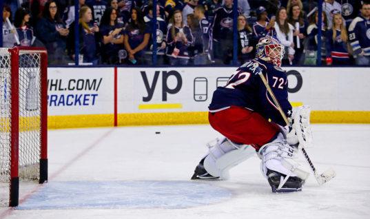 Бобровский — претендент на премию НХЛ Билл Мастертон Трофи
