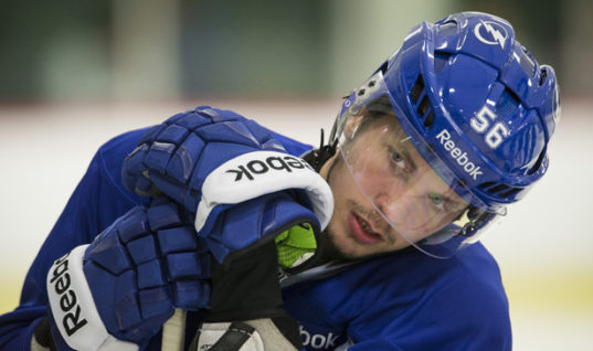 Буллит Кучерова с обманом голкипера — видеохит НХЛ