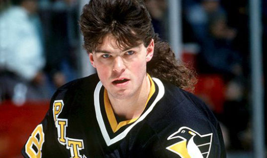 Ягр побил рекорд Хоу по очкам в НХЛ, набранным после 40 лет