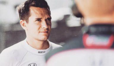 Российский гонщик опоздал на этап IndyCar из-за проблем с визой