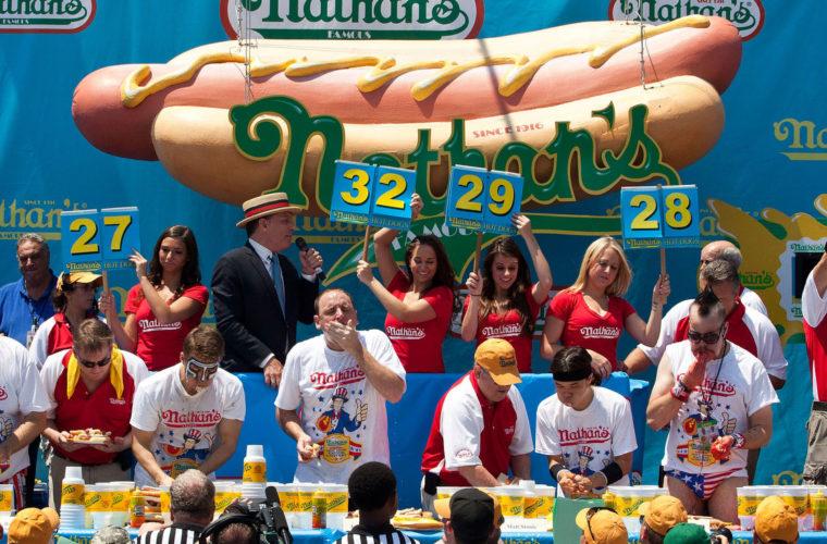 Конкурс по поеданию хот-догов – пять возможных участников из НБА