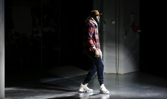 Леброн Джеймс принял участие в модном показе