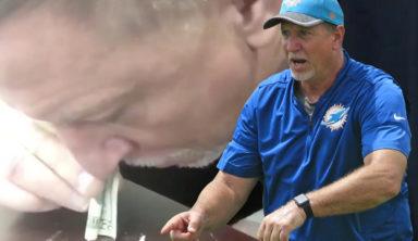 Тренеру НФЛ пришлось уволиться из-за видео, где он нюхает наркотики