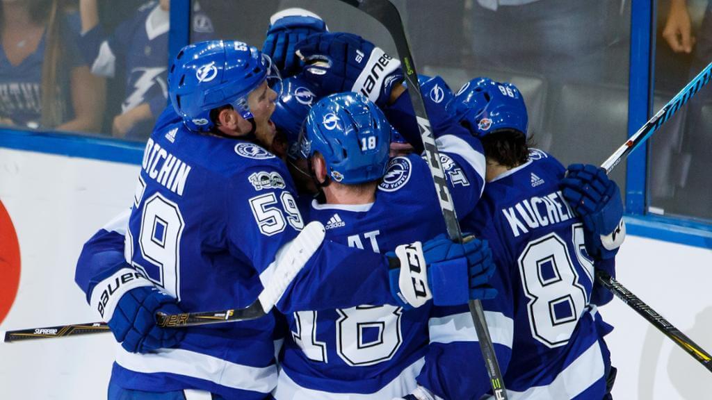«Тампа Бэй» обыграла «Питтсбург» вматче НХЛ, уКучерова гол ипередача
