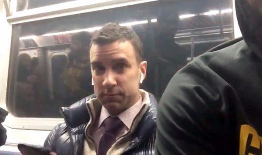 Пассажир метро запретил Джеймсу снимать себя на телефон – и стал знаменитостью