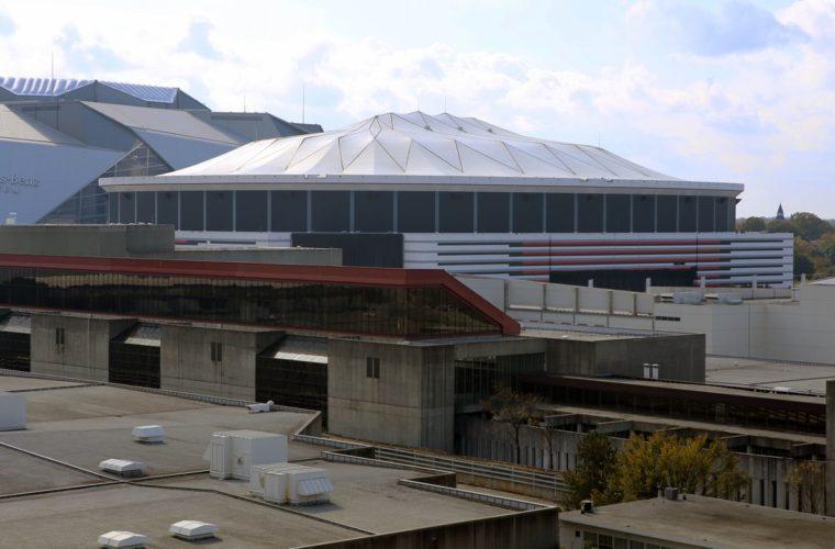 Один изкрупнейших крытых стадионов США сравняли сземлей