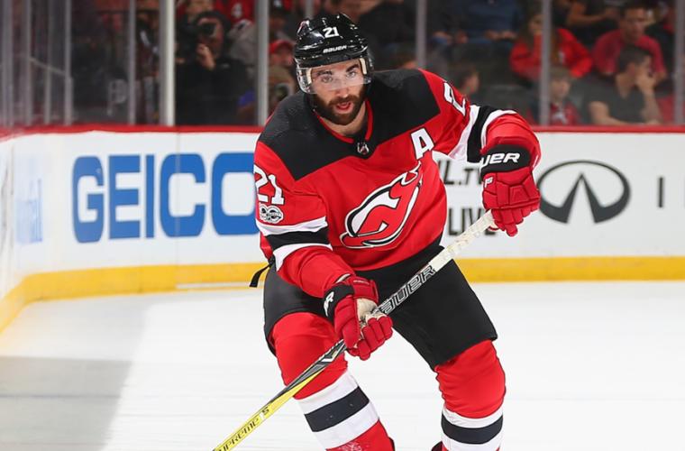 Первая шайба Слепышева всезоне помогла «Эдмонтону» одолеть «Нью-Джерси» вматче НХЛ