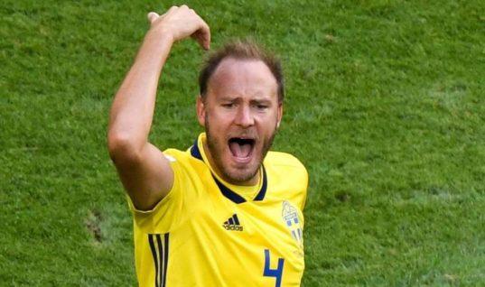Капитан Швеции не пропустит матч с Англией ради родов жены