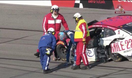 Гонщик NASCAR: не знал, не погибну ли сейчас в аварии