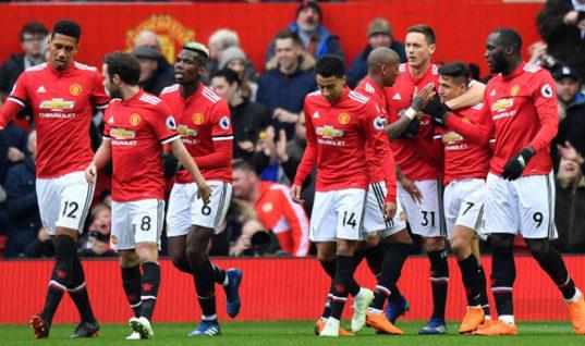 Прогноз букмекеров: «Манчестер Юнайтед» начнет сезон-2018/19 с победы над «Лестером»