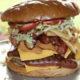 Клуб НФЛ предложил болельщикам на спор съесть 3-килограммовый бургер