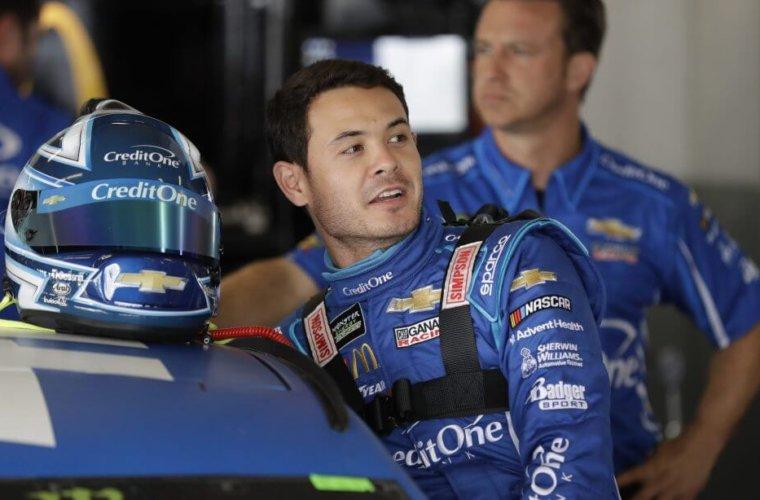 Гонщик NASCAR неудачно пошутил про мошенничество конкурентов