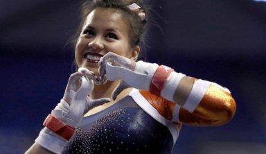 Сломавшая обе ноги гимнастка просит не отмечать её на видео с травмой