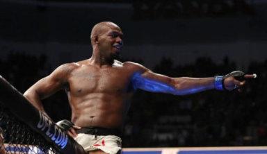 Прогноз букмекеров на титульный бой UFC Джон Джонс – Тиаго Сантос