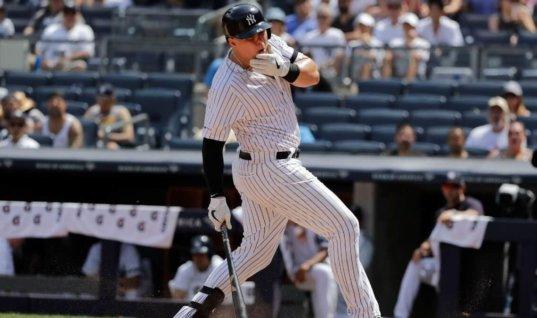 Бейсболист продолжил игру после удара мячом на скорости 145 км/ч