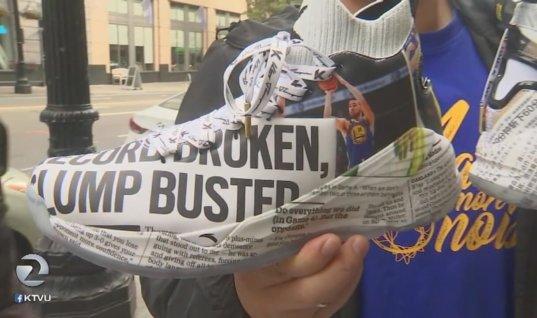 Томпсон продаёт необычные кроссовки с подпиской на газету