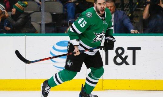 Комментатора НХЛ раскритиковали за слова после травмы хоккеиста
