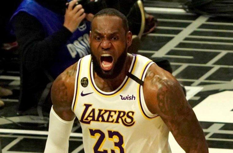 Букмекеры повысили шансы Леброна Джеймса на MVP НБА