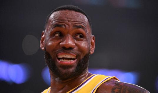 Леброн Джеймс отказался бойкотировать матчи НБА без зрителей